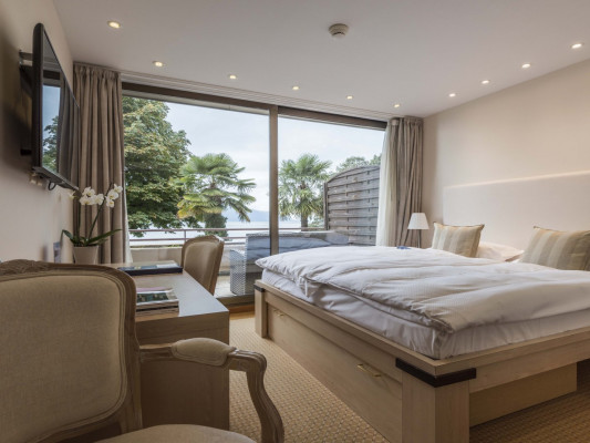 Royal Plaza Montreux & Spa White Junior Suite, Lake view 3